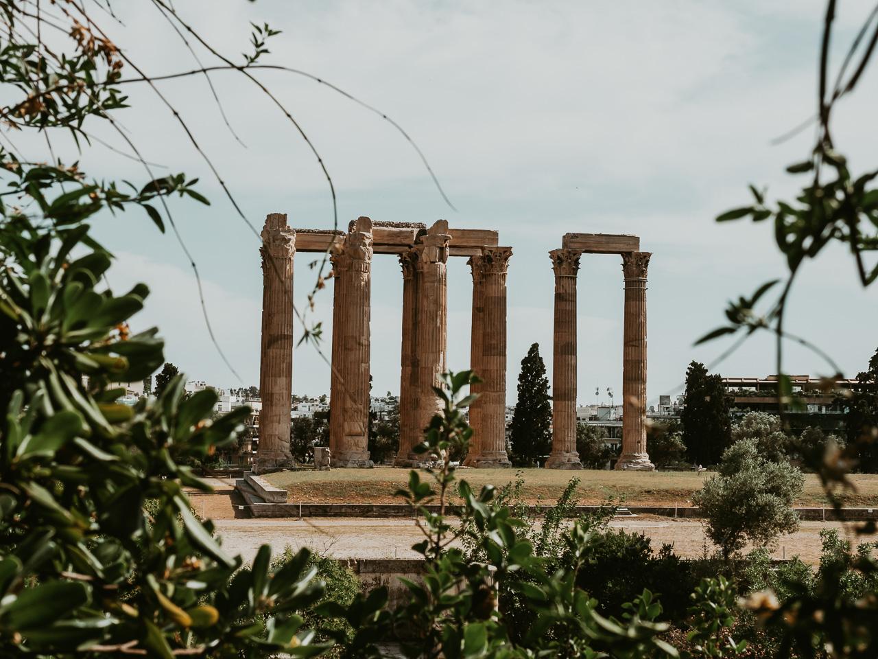 Guide d'Athenes sur une journée : De l'Acropole au stade panathenaique en passant par le Zappeion ou encore le temple de Zeus, voici toutes mes bonnes adresses ! - Kallisteha, voyages et vérités